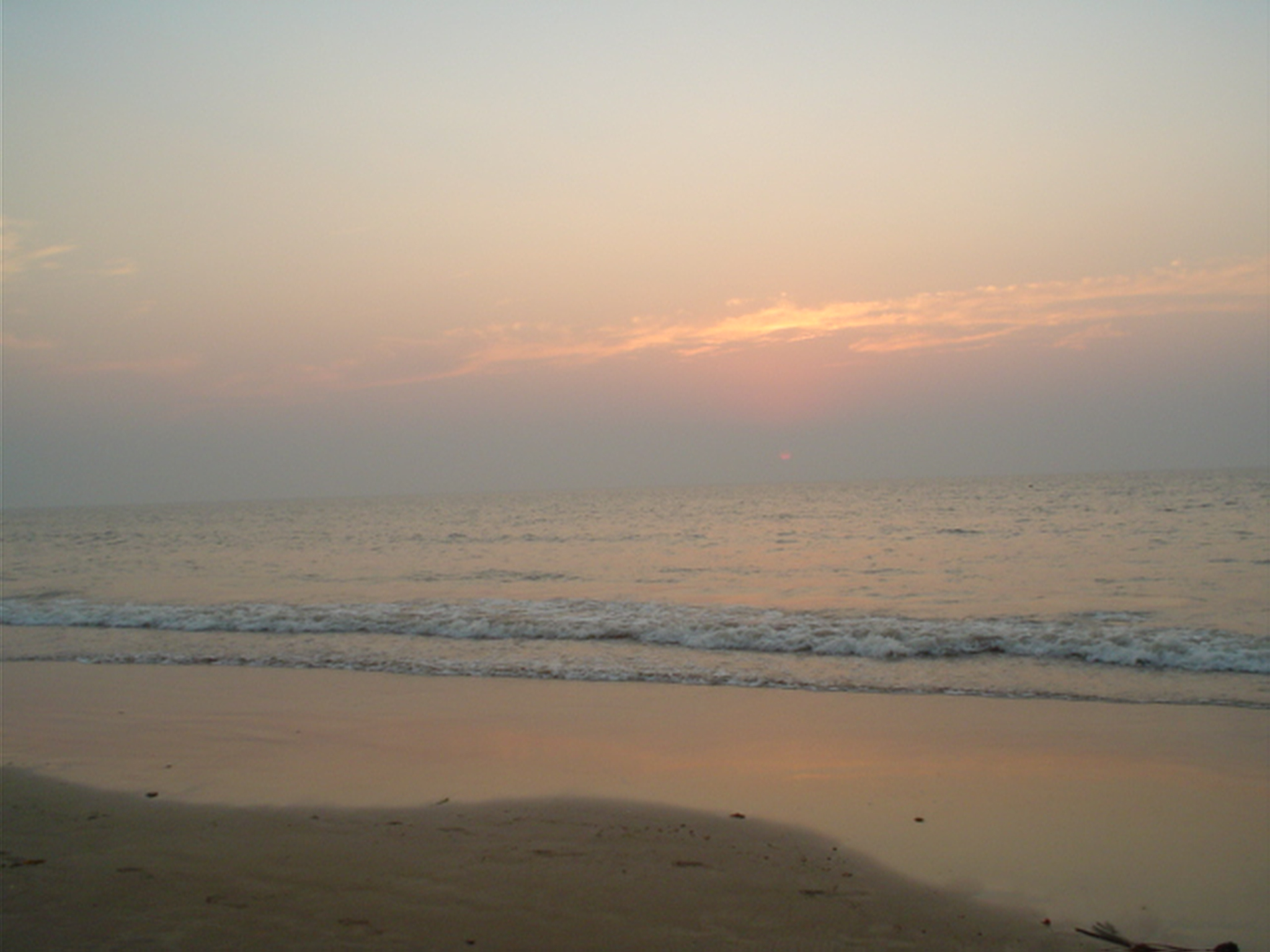 Evening-time photograph of Juhu beach